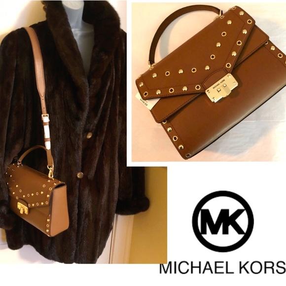 Michael Kors Handbags - Michael KORS Crossbody Kinsley 3-1 Bag Free Ship